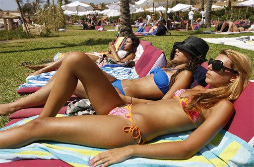 lebanon naked women images